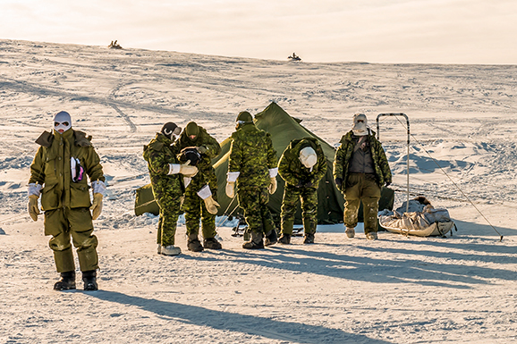 Members of the Arctic Response Company Group participate on March 24, 2017 in Exercise NOREX 2017 held in Resolute Bay, Nunavut. Photo: Ordinary Seaman Albert Domingo, 4th Canadian Division Public Affairs. ©2017 DND/MDN Canada.
